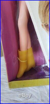 1960'S TWIGGY Barbie Doll Vintage New in box London's Top Teen Model TNT NRFB