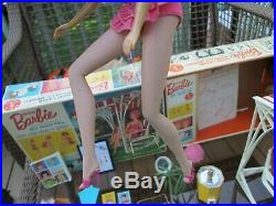 1964MISS BARBIEBOXMINT DOLL+SETSWINGWIGSSTANDOSSBACKDROP1st BEND LEGS