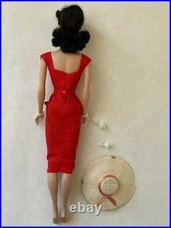 5 or 6 brunette ponytail with original box 1962 or 1963 BARBIE vintage