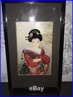 BEAUTIFUL VINTAGE JAPANESE PORCELAIN DOLL GLASS EYES SILK Framed Figure