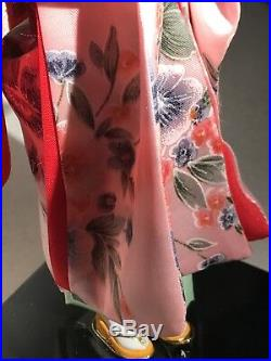 BEAUTIFUL VINTAGE JAPANESE PORCELAIN DOLL GLASS EYES SILK Pink Kimono Geisha