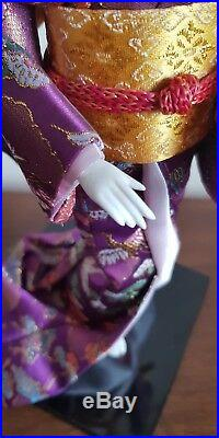 BEAUTIFUL VINTAGE JAPANESE PORCELAIN DOLL GLASS EYES SILK Purple Kimono Geisha