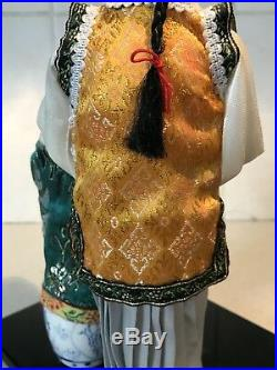BEAUTIFUL VINTAGE JAPANESE PORCELAIN DOLLs GLASS EYES SILK Sat & Standing