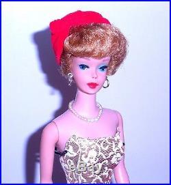 Beautiful Vintage 1962 Ash Blonde Bubble Cut Barbie 850 Japan Mint