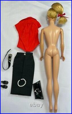 Pretty Vintage Ash Blonde Swirl Ponytail Barbie, Vintage Pak Mix n Match Outfit