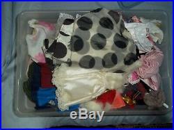 VINTAGE BARBIE/KEN/MIDGE (Japan) LOT DOLLS / TRAVEL CASE/ AND CLOTHING