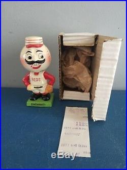 VTG 1960s CINCINNATI REDS MASCOT BOBBLE HEAD NODDER DOLL GREEN SQUARE BASE JAPAN