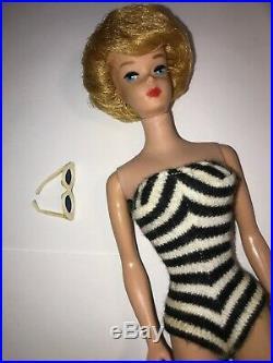 Vintage 1959-61 Bubblecut Barbie 850 Metal Stand White Sunglasses Well-worn Box
