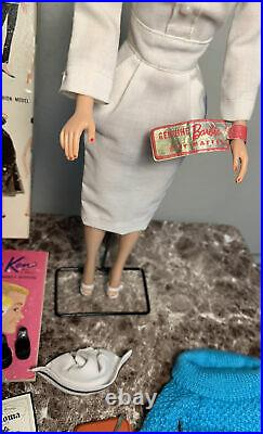 Vintage 1st Issue Bubblecut In Original Box, Handtag, Stand&HTF RN Outfit EUC