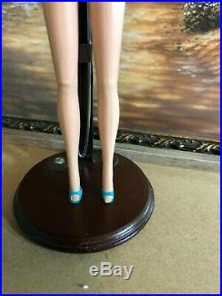 Vintage Barbie American Girl Pale Blonde Bendable Leg Barbie OSS, Japan Shoes