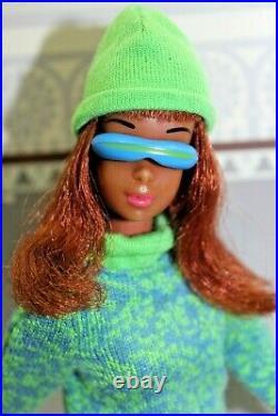 Vintage Barbie Black Francie 1967 & Gad About Francie Repro Fashion 1966 60er