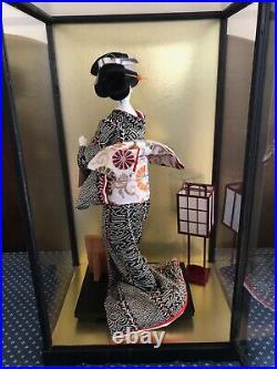 Vintage Japanese Geisha Doll in Glass Case