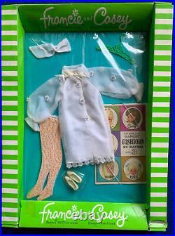 Vintage Mattel Barbie Francie & Casey #1280 Cool White Nrfb Moc